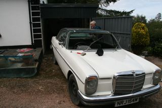 Mercedes with empty windscreen