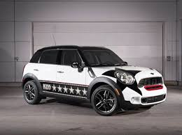 Mini Countryman 3 Kiss Special Edition side view